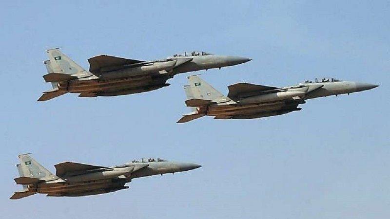 التحالف يعلن تنفيذ 21 عملية استهداف لآليات وعناصر الحوثي في الجوبة والكسارة